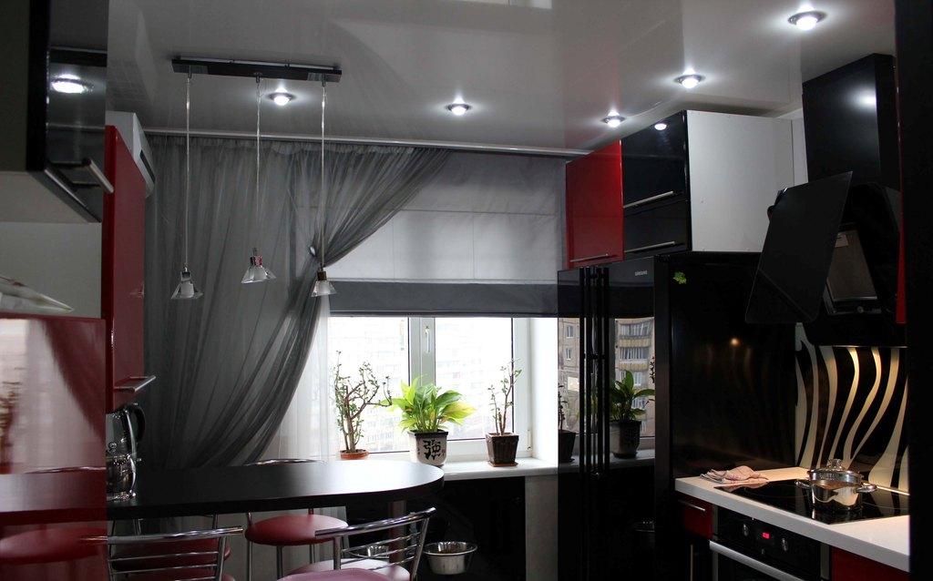 Дизайн современных кухонных штор